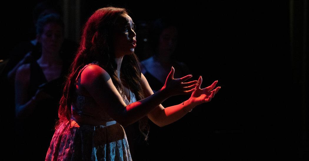 Critique: Un camp d'entraînement au Bel Canto enseigne l'esprit et le polonais