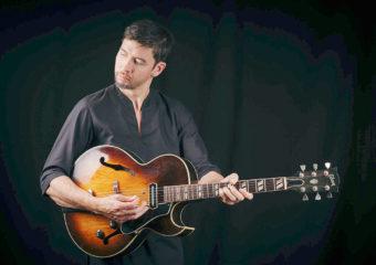 """Un guitariste né à Port Townsend pour représenter la """"pierre angulaire de la musique américaine"""""""
