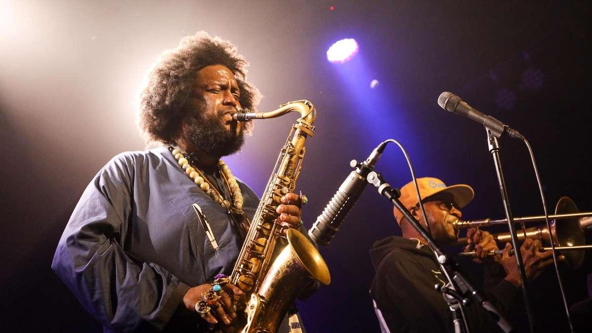 Albums de trois heures et collaboration avec Kendrick Lamar: le saxophoniste Kamasi Washington bouscule le jazz