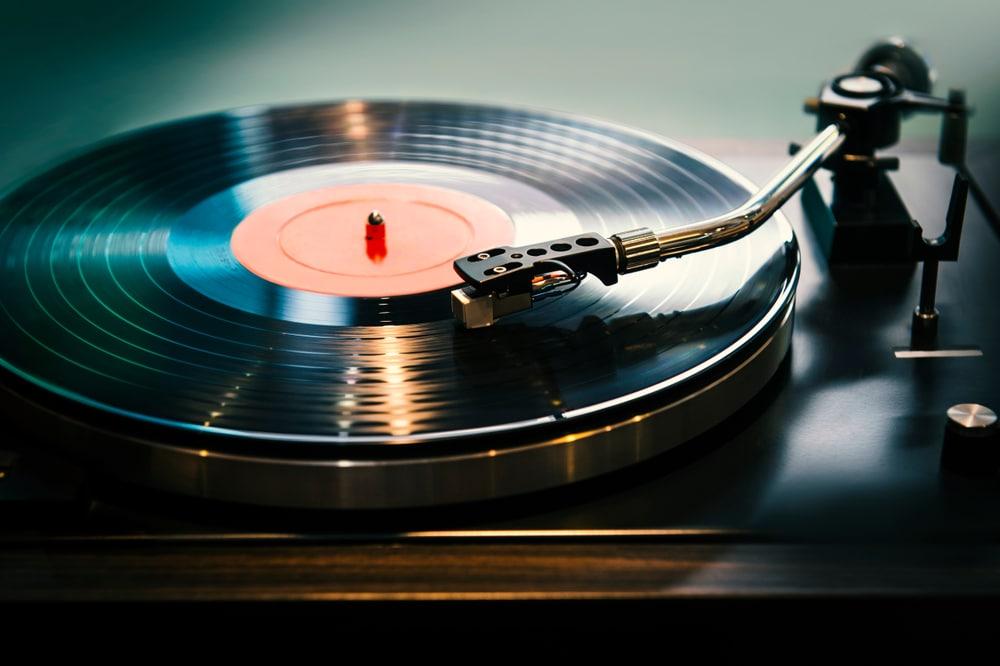 Top 5: Meilleures platines vinyles en 2020: Comparatif & Guide