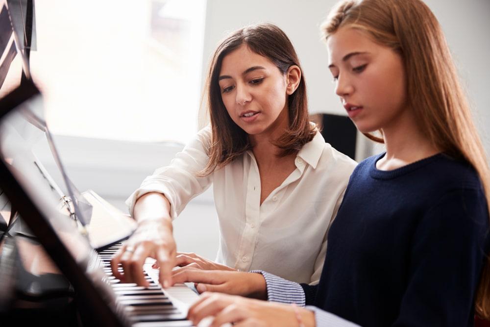Débuter au piano : 5 conseils à suivre avant de prendre des cours